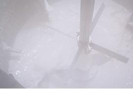抽出・精製分野の共同研究により、工業的製造方法を確立